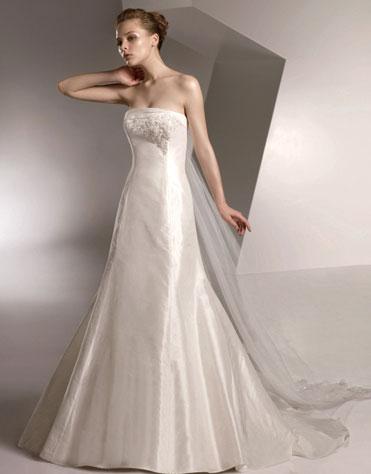Ajolique 2010 strapless bridal gown #2103