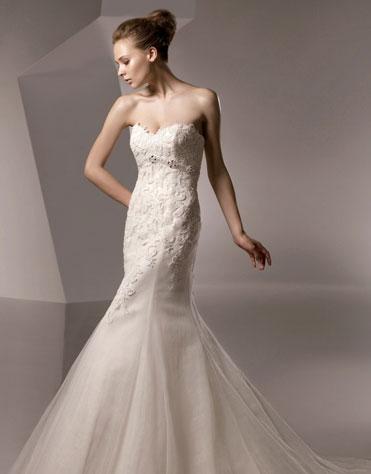 Ajolique 2010 strapless bridal gown #2109