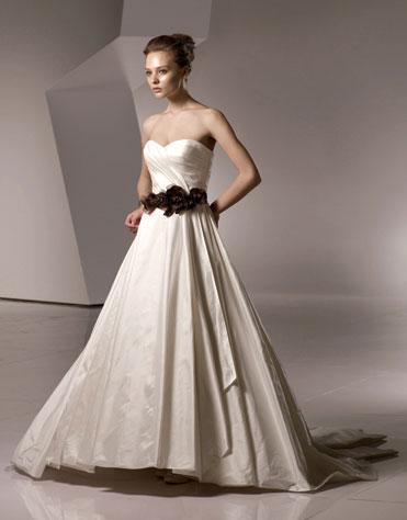 Ajolique 2010 strapless bridal gown #2119