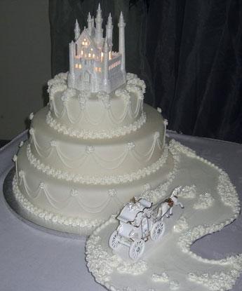 Fairty tale wedding, snowwhite castle cake topper
