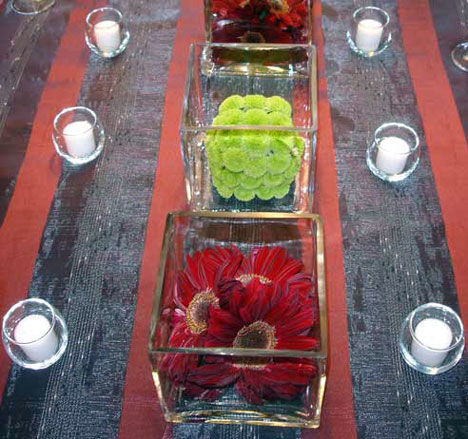 square-shaped floral wedding centrepiece 4