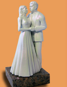 Custom sculpture of wedding couple