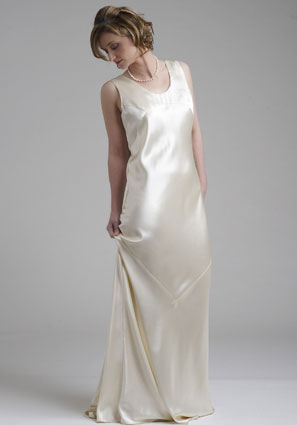 Caroline Calverts, simply silk wedding dress