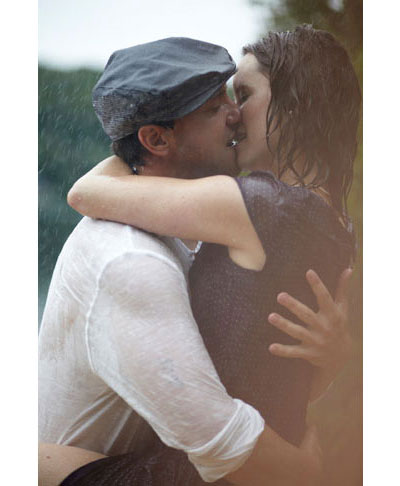 Themed engagement photo shoot idea: The Notebook movie / film