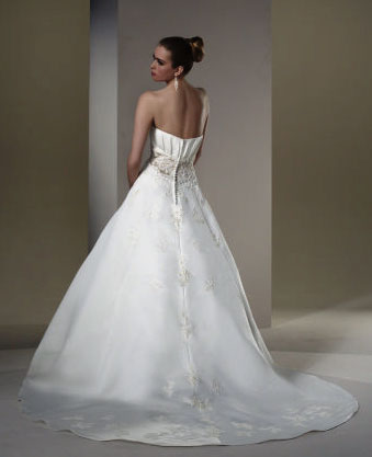 2010 Sincerity wedding dress 3561