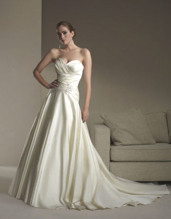 2010 Sincerity bridal gown 3565