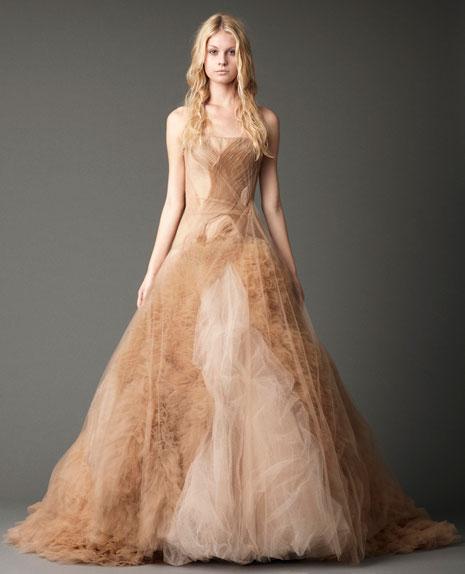 Vera wang fall 2012 the black magic collection for Vera wang classic wedding dress