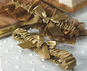 bridal garter in bronze colors