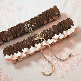 Western theme wedding bridal garter with horseshoe charms