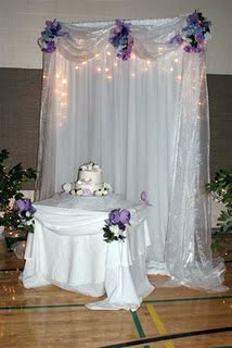 Floral decor, for the wedding cake table