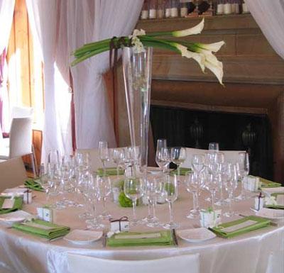 Simple & elegant DIY floral wedding centerpiece