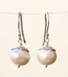 Wedding Jewelry: Pearl drop earings