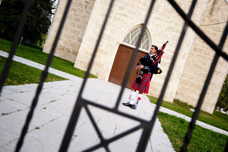 A Bagpiper for your Wedding