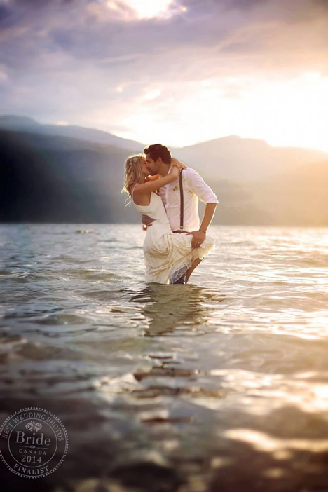 Passionate kiss in the lake