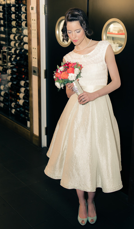 The tea-length fifties style wedding dress