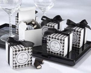 Black & White wedding favour boxes