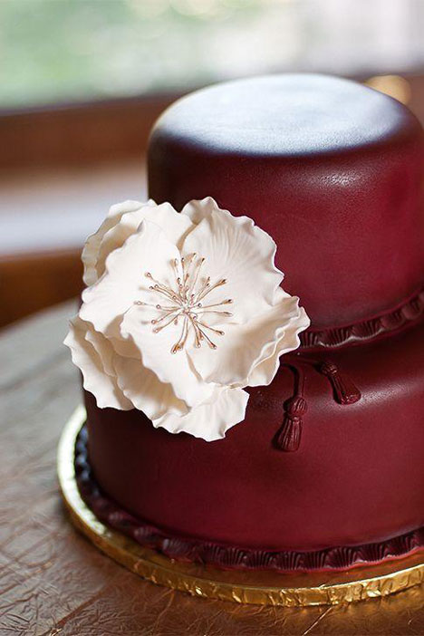 marsala colour wedding cake