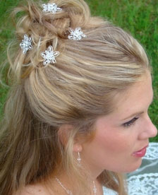 Wedding Hair Accessories: Star-shaped crystal hair pin