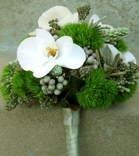 woddsy & stoney bridal bouquet: green & pewter