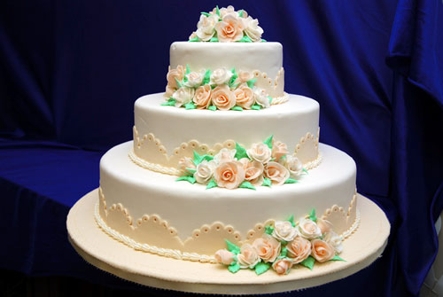 Amazing Wedding Cake with Decorations 500 x 335 · 32 kB · jpeg