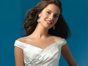 Alfred Angelo Off-the-Shoulder wedding dress, #2032
